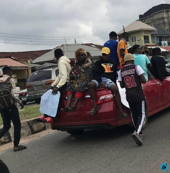 EndSARS protest turns bloody as youths storm Abeokuta with charms |photos